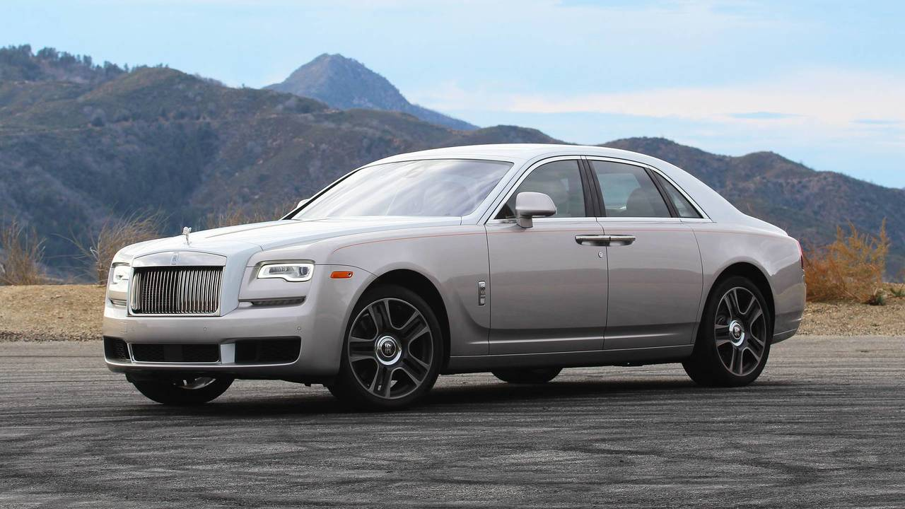 2018 rolls royce ghost review living like the one percent. Black Bedroom Furniture Sets. Home Design Ideas