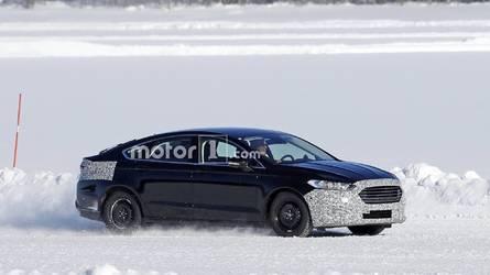 Makyajlı Ford Mondeo ilk kez kamuflajlı olarak görüntülendi