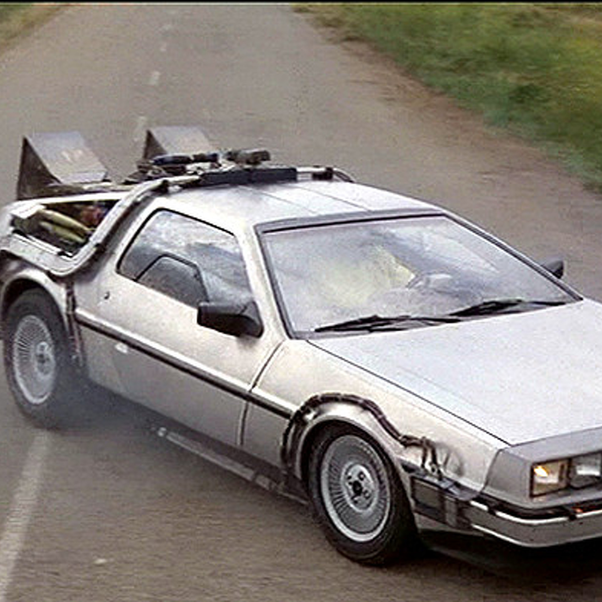 DeLorean's Back: Now, How Do You Style Your DMC-12?