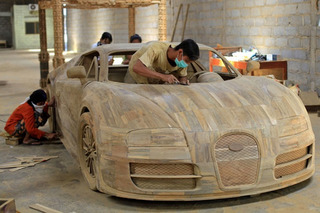 Beautiful Wooden Bugatti Veyron Can Be Yours for Cheap