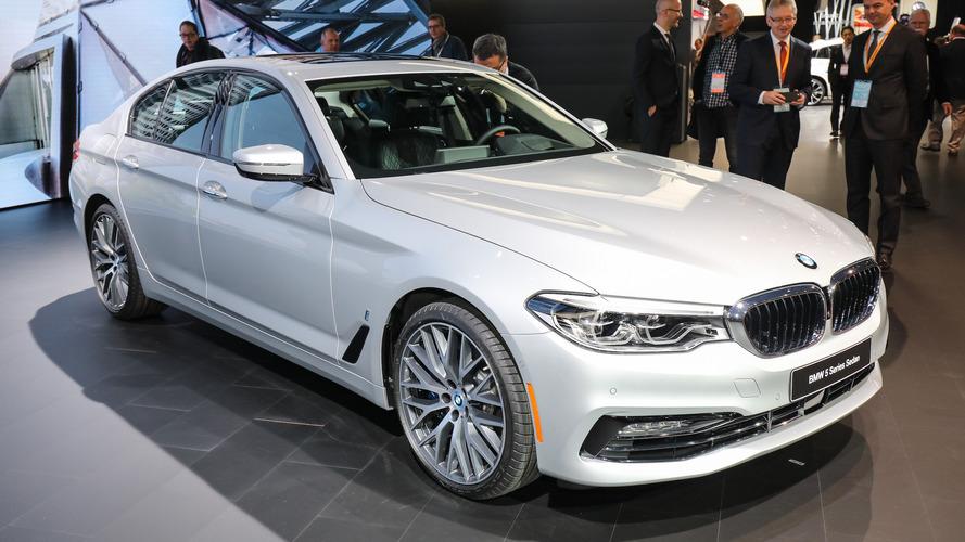 BMW iPerformance Plug-In Hybrid Models Take The Spotlight In New York