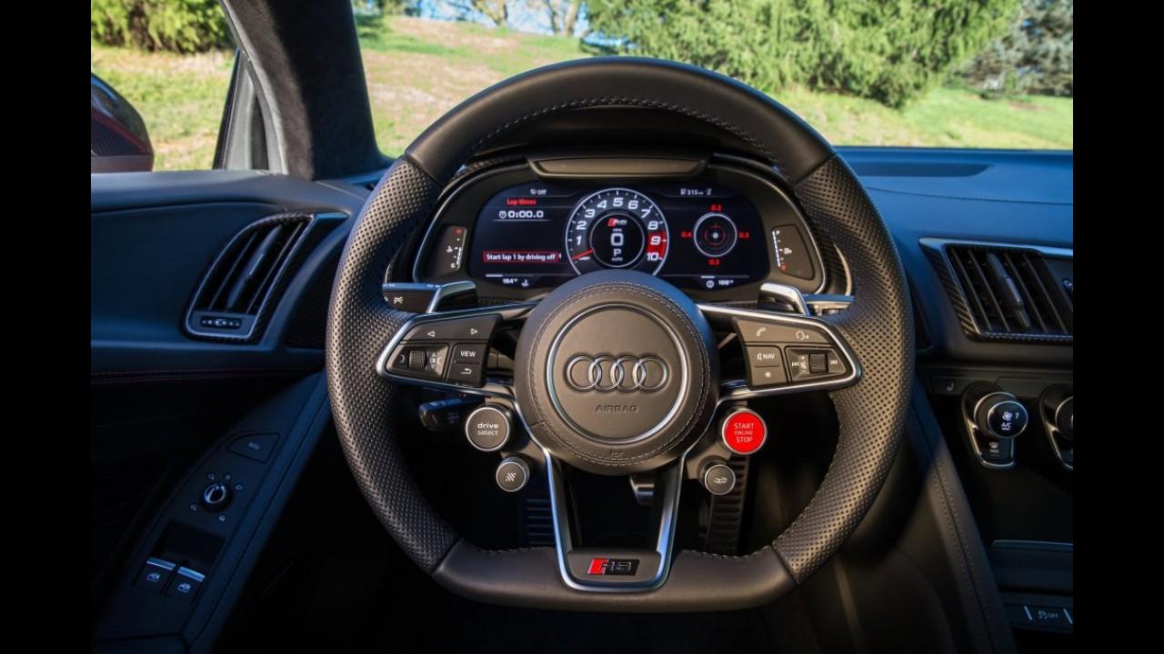 """Audi comemora """"liderança premium"""" e confirma novo R8 Coupé V10 no Brasil"""