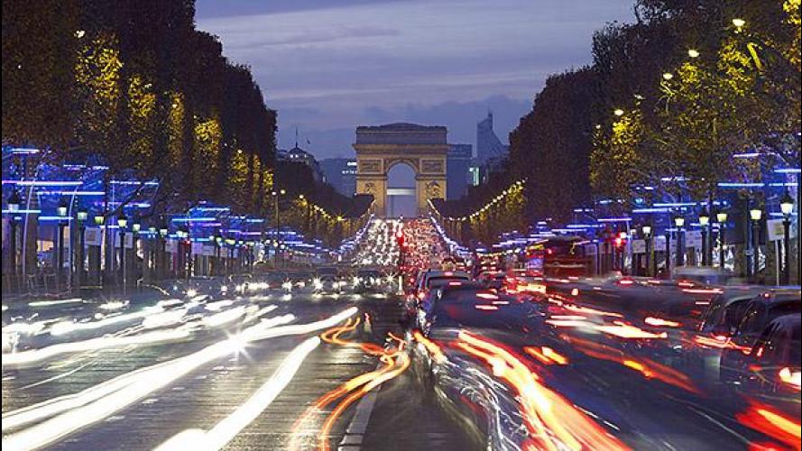 Auto elettrica in Francia, 10.000 euro a chi rottama diesel di 10 anni