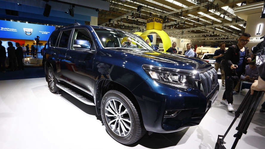 2018 Toyota Land Cruiser Gets New Look, Higher Quality Interior