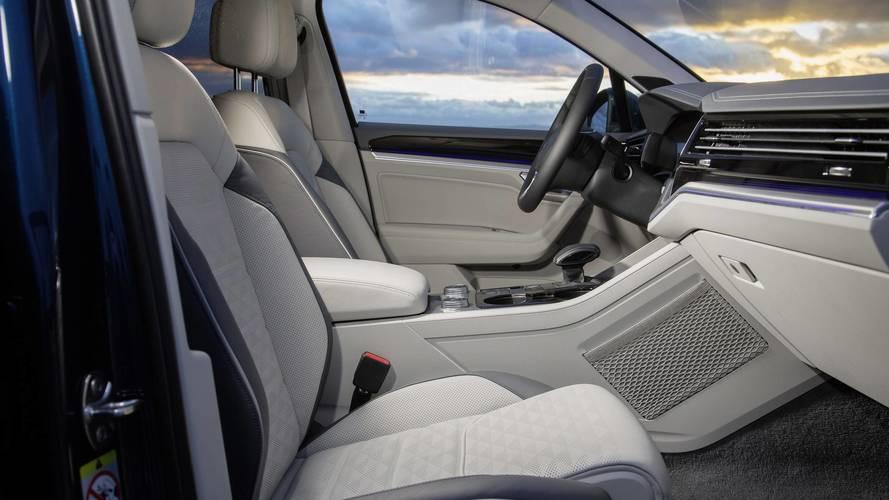 Hivatalos fotókon a vadonatúj VW Touareg utastere