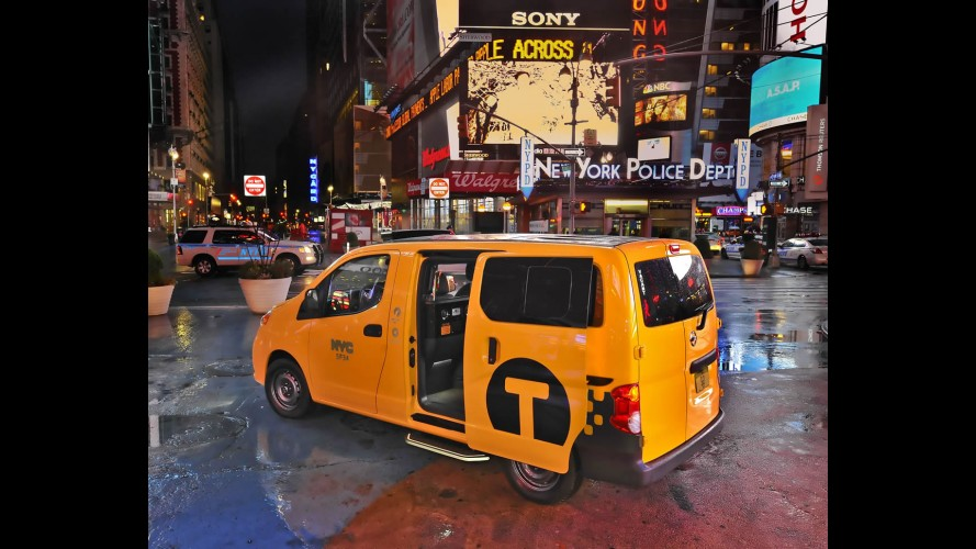 Salão de Nova York: Nissan mostra versão final do NV200 Táxi
