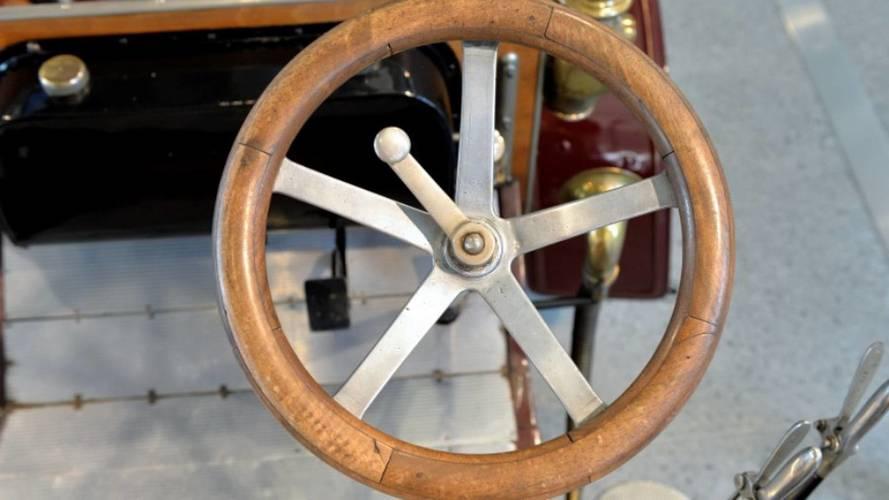 Skoda steering wheels throughout the years