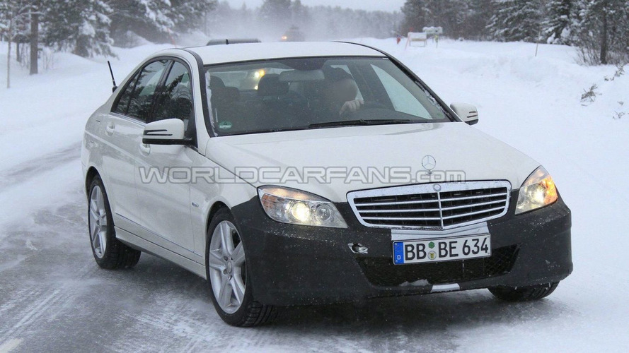 2011 Mercedes C-Class Facelift Latest Winter Spy Photos