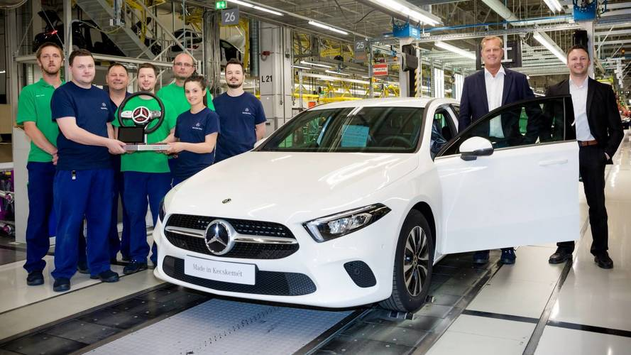 Mercedes a class production kicks off at second plant for Mercedes benz manufacturing plant in usa