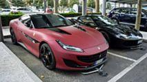 Ferrari Portofino matt vörös fényezéssel