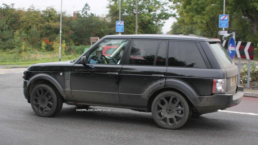 Range Rover Hybrid coming in 2013 - report