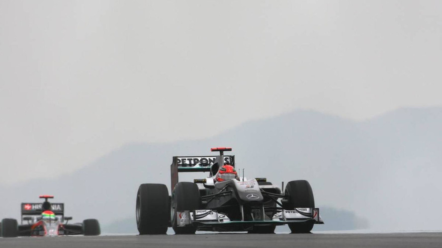 Cars spinning before joining grid for Korea GP