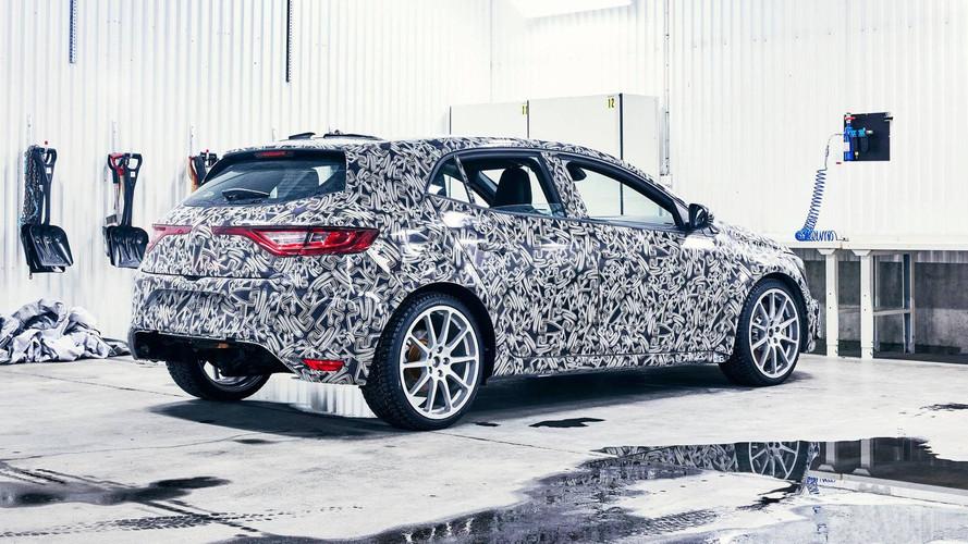 PHOTOS – La Renault Mégane 4 R.S. peaufine ses réglages