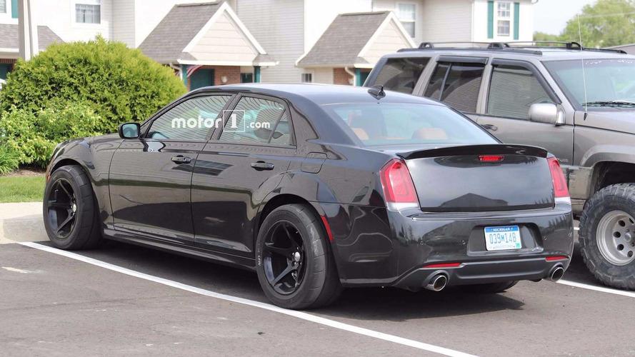 Chrysler 300 Hellcat önümüzdeki yıl geliyor