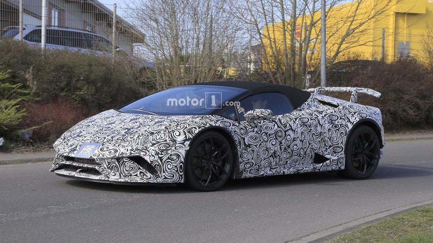 Lamborghini Huracan Performante Spyder pistte yakalandı