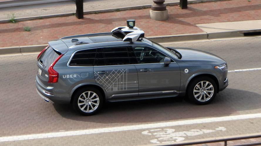 Guida autonoma, polemiche dopo l'incidente mortale di Uber