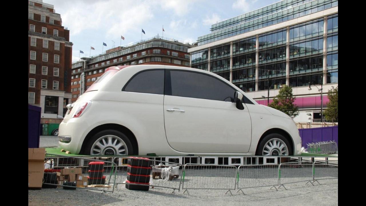 Una Fiat 500C gigante nel cuore di Londra