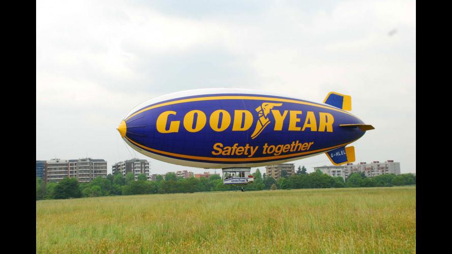 Il dirigibile Goodyear vola per la sicurezza stradale