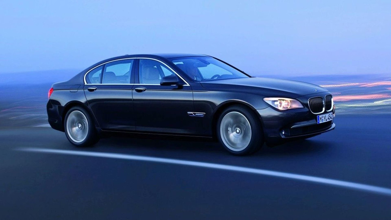 bmw recalls 45 000 7 series sedans because doors could fly. Black Bedroom Furniture Sets. Home Design Ideas