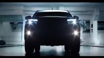 Hilux 2016: novos teasers e motores 2.4 e 2.8 diesel confirmados