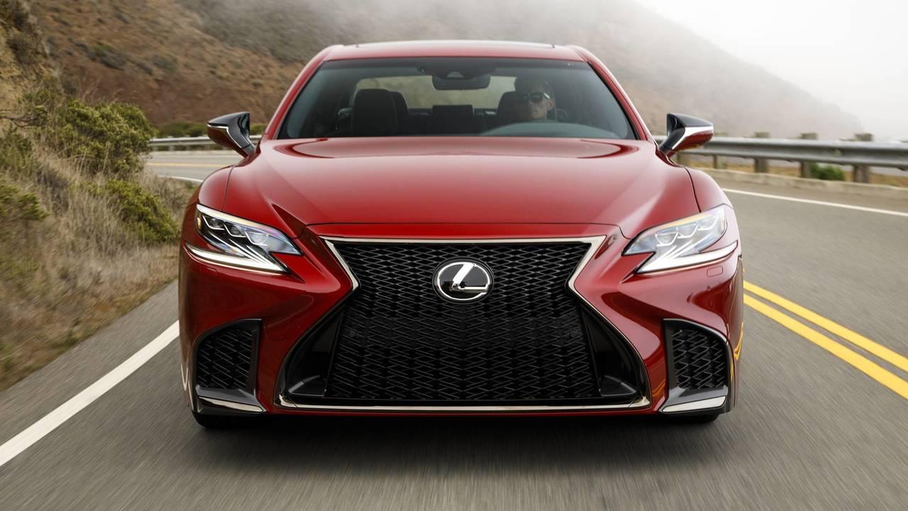 Lexus LS 2018 Red Front Dynamic