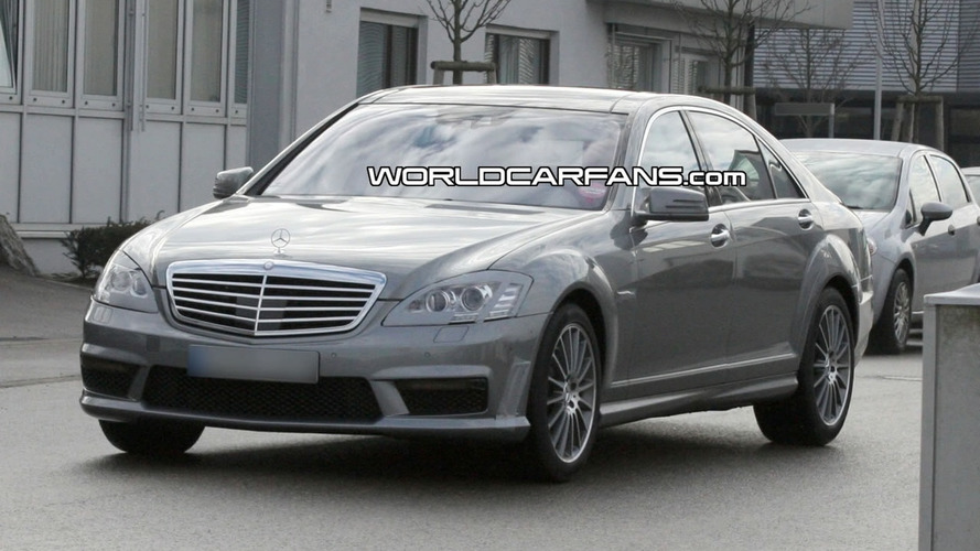 Mercedes S 63 AMG Facelift Spied with LED Lights