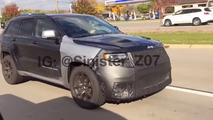 Jeep Grand Cherokee Trackhawk screenshot from spy video