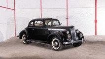 Lot 32 - 1940 Packard 110 Business Coupé