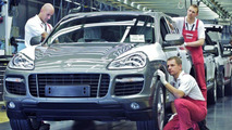 Facelifted Porsche Cayenne Production Commenced