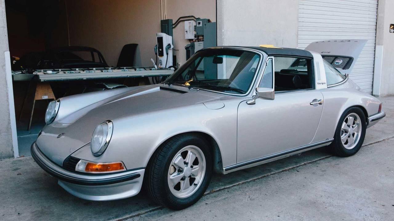 Porsche 911 Targa électrique de 1973