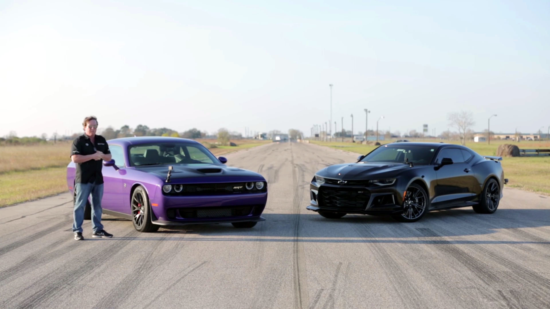 hellcat challenger and camaro zl1 go head to head. Black Bedroom Furniture Sets. Home Design Ideas