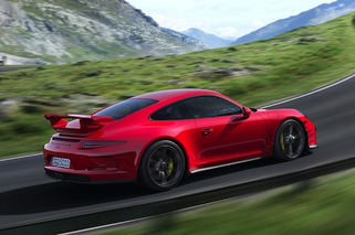 2014 Porsche 911 GT3 is Undeniably Sexy and Quick
