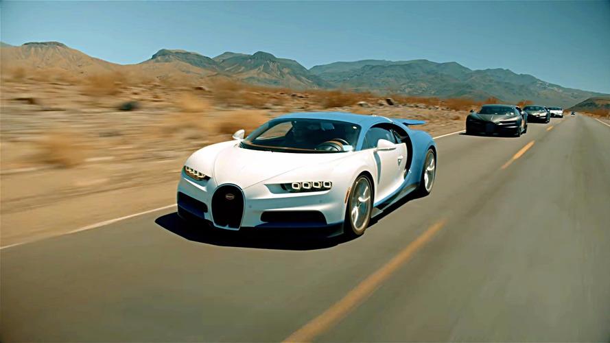 Bugatti Chiron'ların çöl yolculuğu
