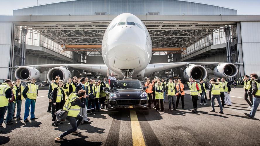 Porsche Cayenne S Diesel remolca un Airbus A380