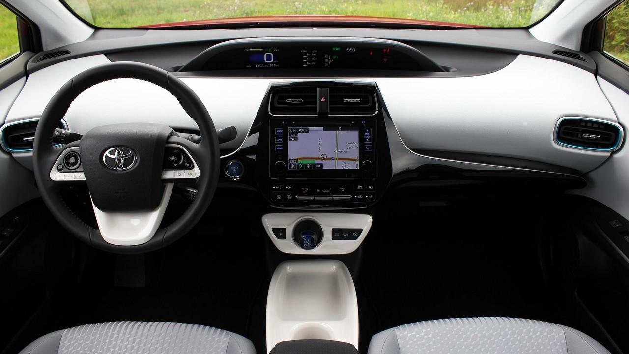 Luxury 2017 Toyota Prius Prime Review Photo
