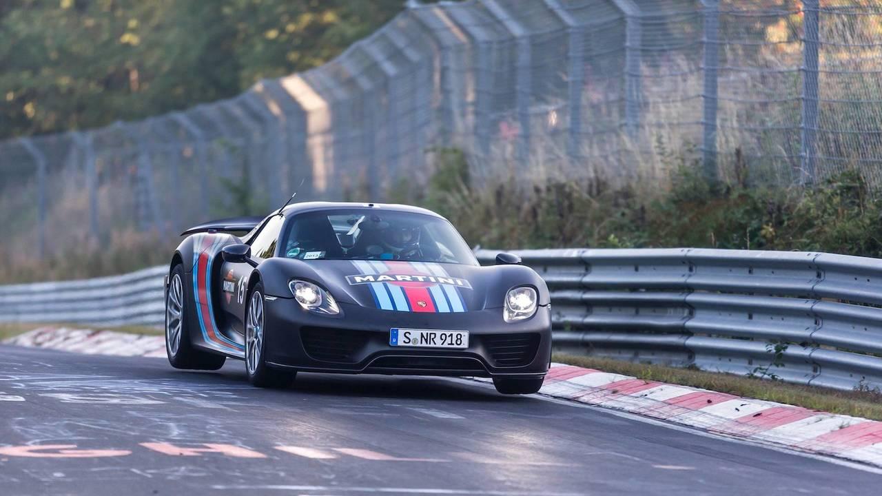Porsche 918 Spyder (6:57.00)