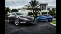 Chrysler 200 é sedã de entrada, mas sem perder o requinte - veja galeria
