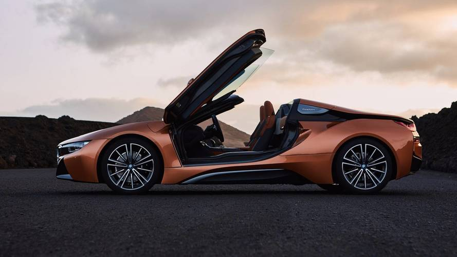 BMW i8 Roadster 2018 – hybrid sports car gets even more appeal