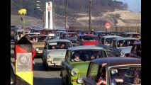 Il mito Trabant - (http://blog.zdf.de/geschichte/00341950,(dpa,fkm012,A11.11.1989),trabi-kolonne_stroemt_1989_in_den_westen_deutschlands.jpg)