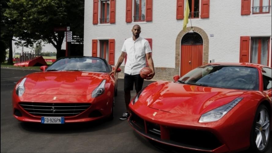 Ferrari, una F12tdf in pista con Kobe Bryant