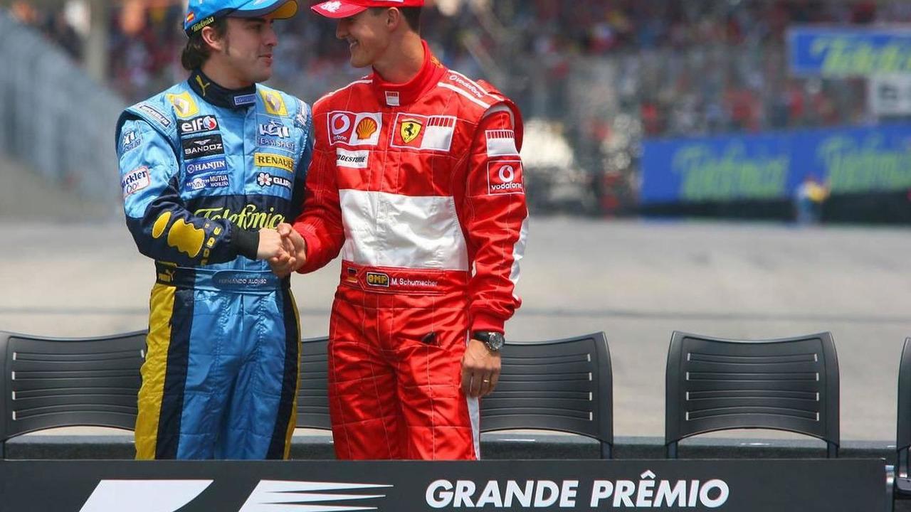 Fernando Alonso (ESP), Renault F1 Team and Michael Schumacher (GER), Scuderia Ferrari - Formula 1 World Championship, Rd 18, Brazilian Grand Prix, 22.10.2006 Sao Paulo, Brazil