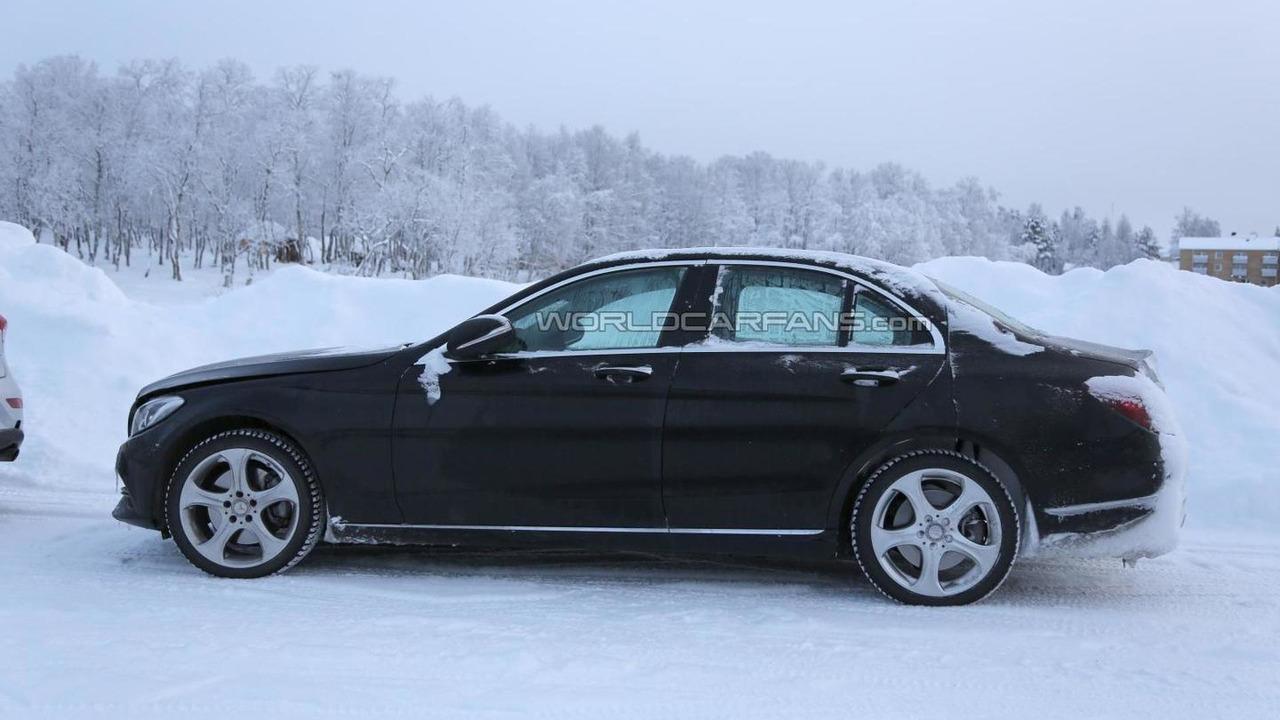 Mercedes-Benz C-Class with S-Class digital dashboard spy photo