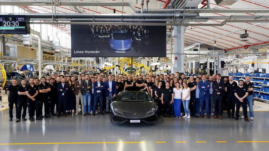 Lamborghini 8,000'inci Huracan'i kutladı