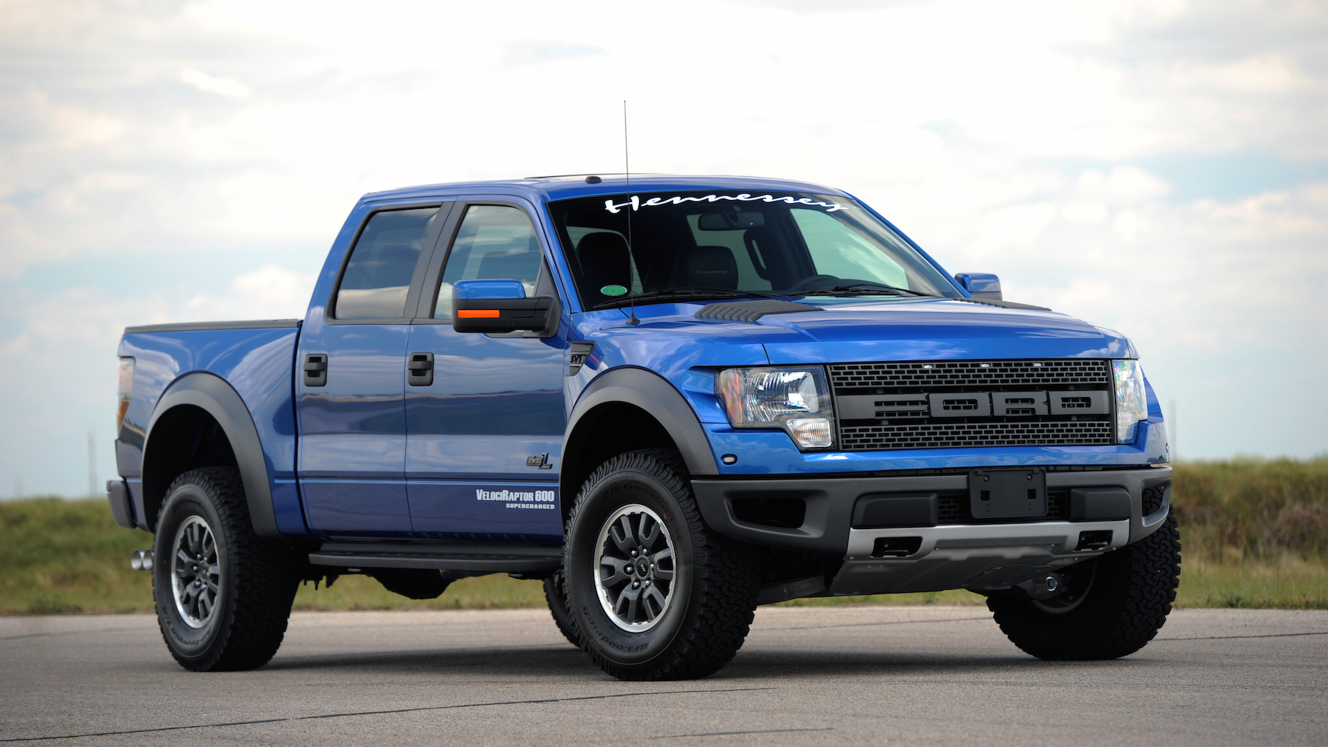 Hennessey VelociRaptor 600 and 800 based on Ford F-150 SVT Raptor 6.2