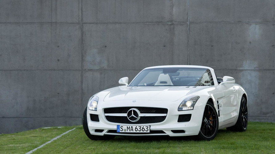 2012 Mercedes-Benz SLS AMG Roadster climbs the heights [video]