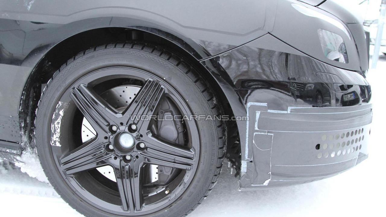 2013 Mercedes B-Class AMG spy photo 25.1.2012