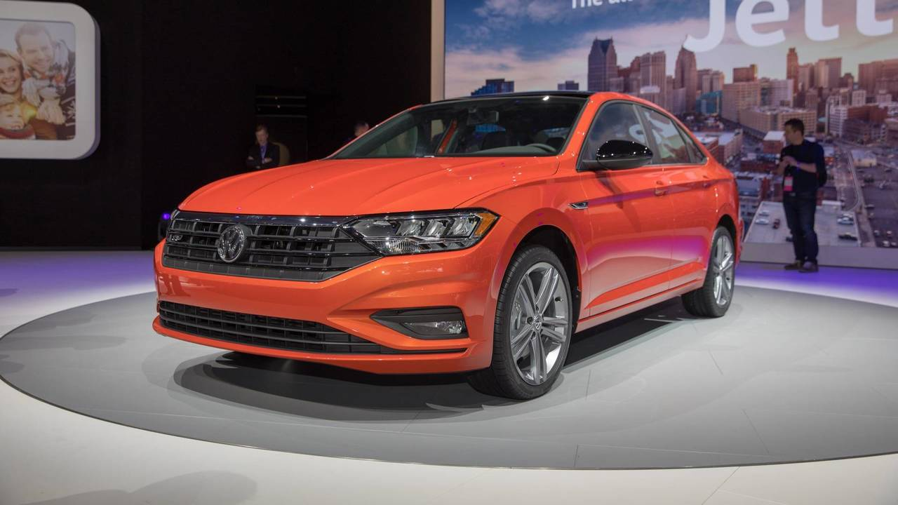 2019 vw jetta rocks detroit with upscale style loads of new tech. Black Bedroom Furniture Sets. Home Design Ideas