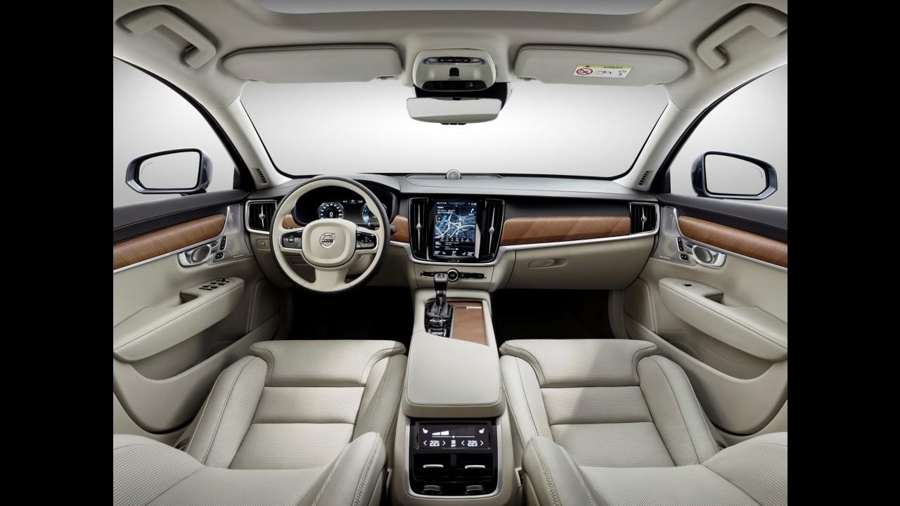 """Volvo completa """"família 90"""" com apresentação da estilosa perua V90"""