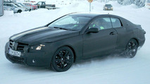 Mercedes-Benz CLK romps in the snow