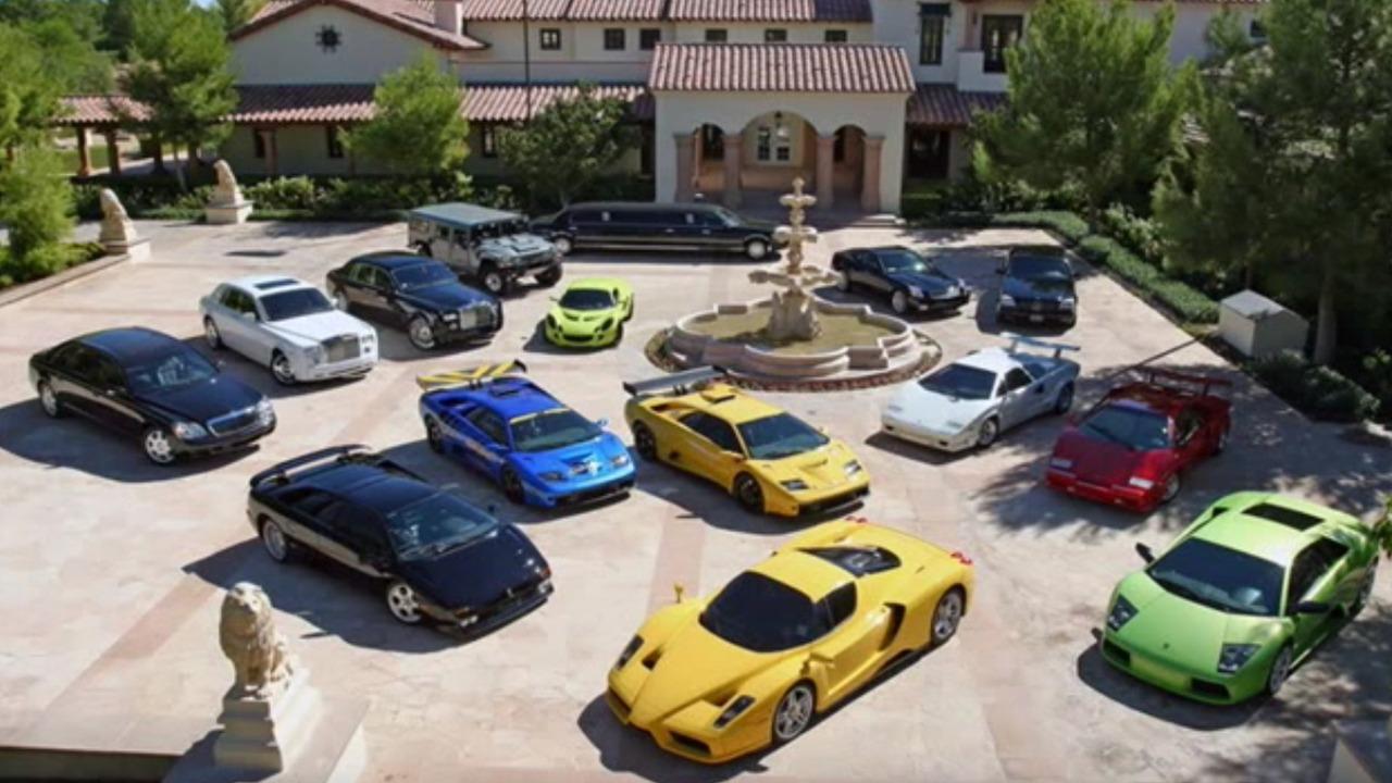Bill Gates'in etkileyici otomobil koleksiyonu